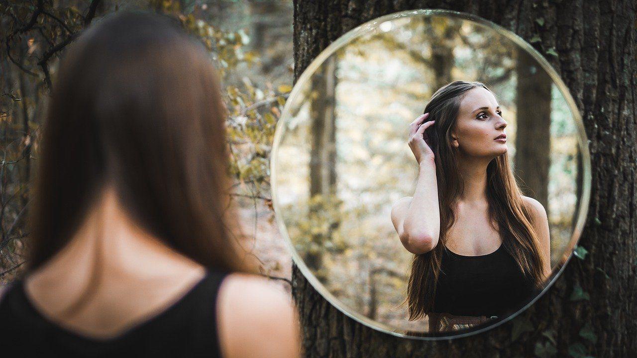 nuestra identidad crea nuestra realidad.